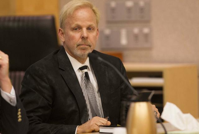 Hình ảnh Robert O Young trong phiên tòa năm 2016.