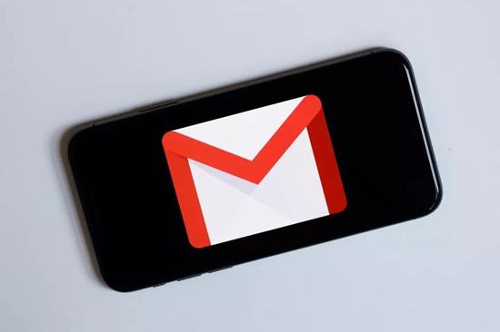chặn tin độc hại trên gmail từ iphone và ipad